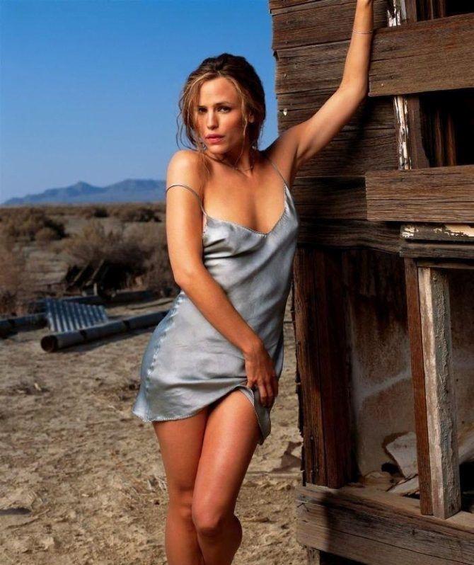 Дженнифер Гарнер фотосессия в ночной сорочке