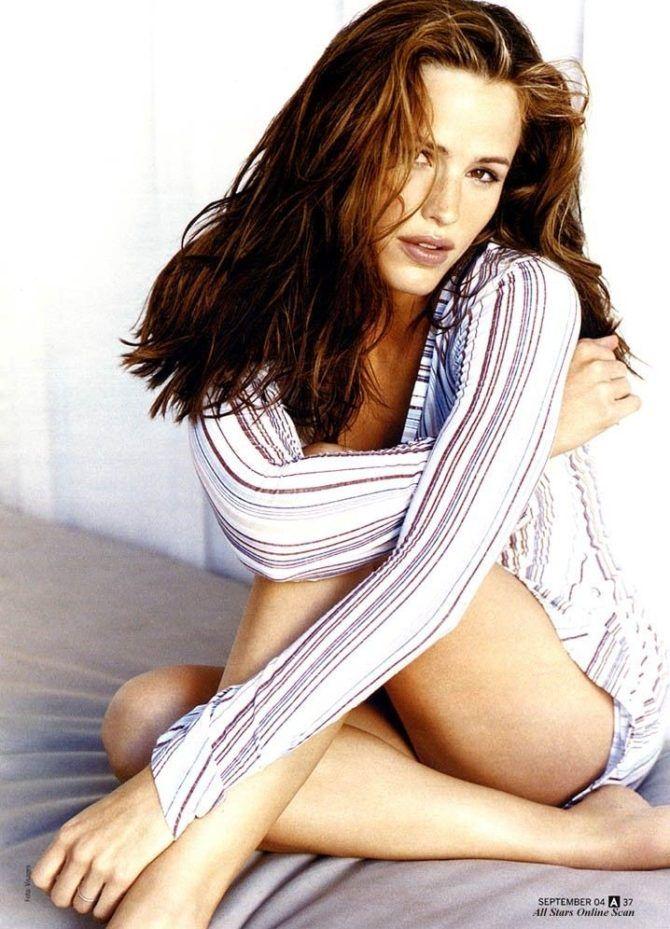 Дженнифер Гарнер фото в полосатой рубашке