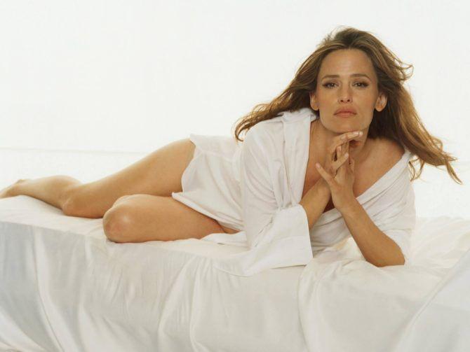Дженнифер Гарнер фотосессия в белой рубашке