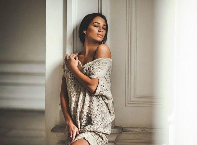 Дарья Храмцова фото в большом свитере