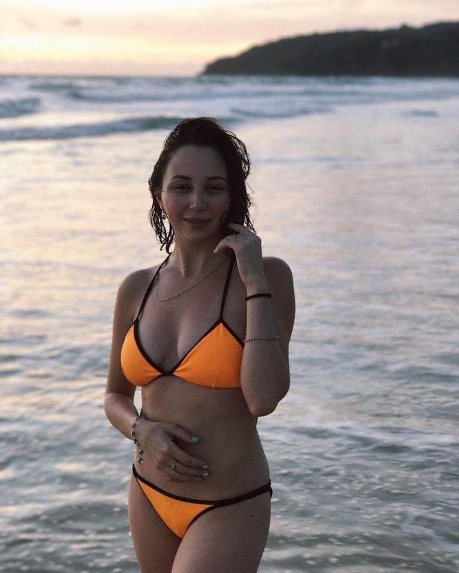 Елизавета Туктамышева фотография в ярком бикини