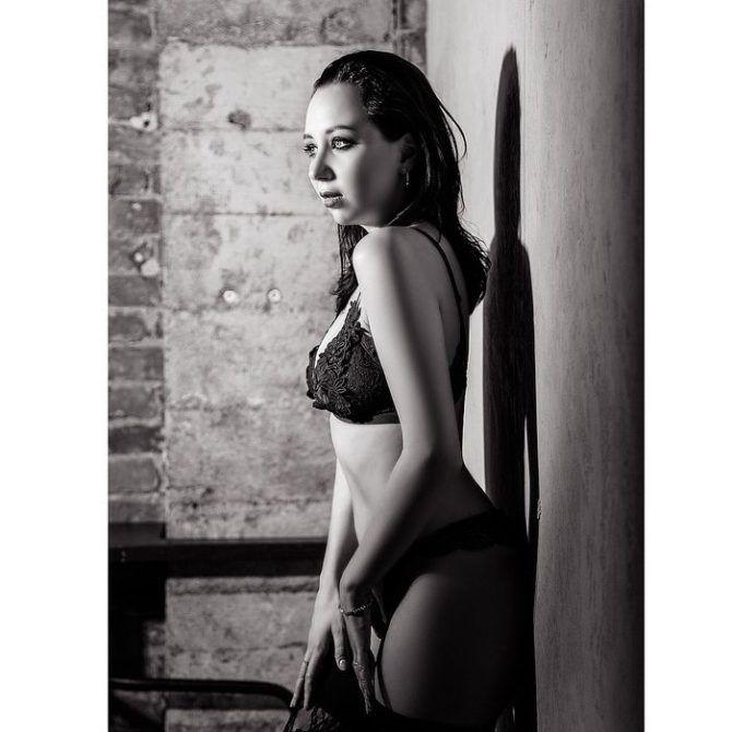 Елизавета Туктамышева чёрно-белое фото в белье