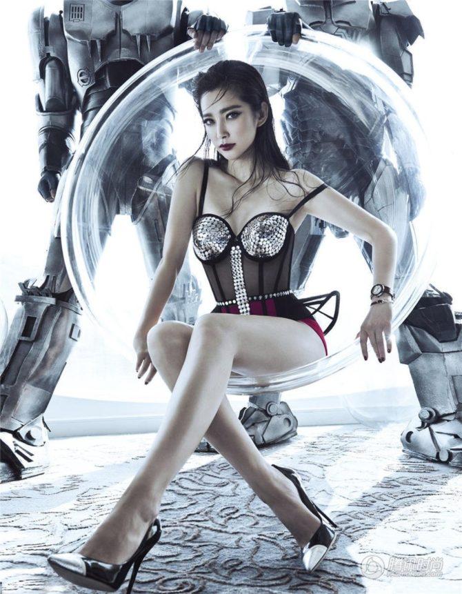 Ли Бинбин стильная фотосессия в корсете
