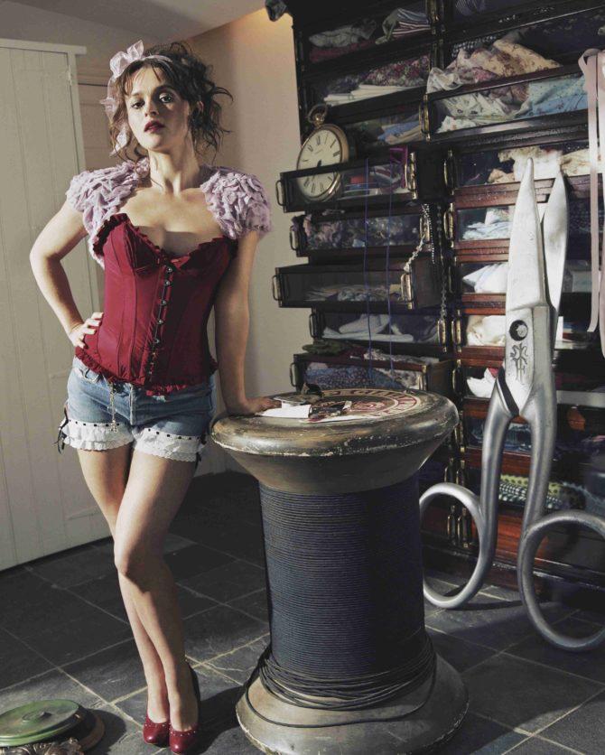 Хелена Бонем Картер фото в красном корсете