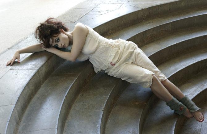Хелена Бонем Картер фотография в корсете и панталонах