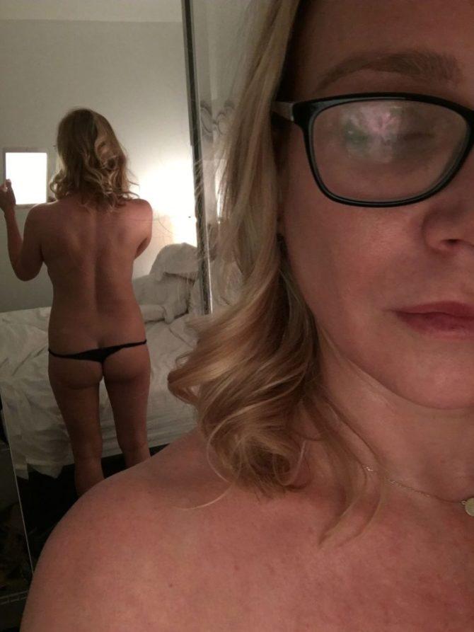 Лори Холден слитое интимное фото