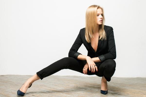 Александра Бортич фотосессия в костюме